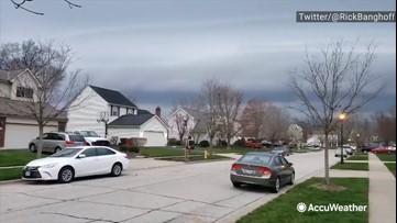 Shelf cloud looms over neighborhood