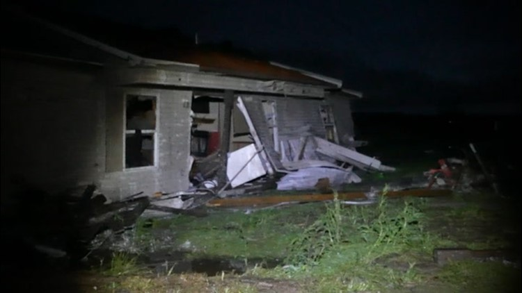 Damaging and deadly storms whip across the Southern U.S.