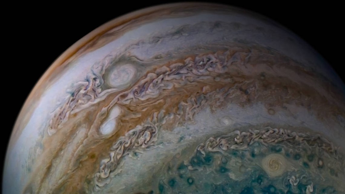 White flash on Jupiter spotted by amateur astronomers