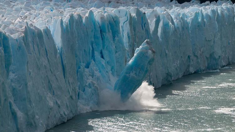 iceberg breaks off