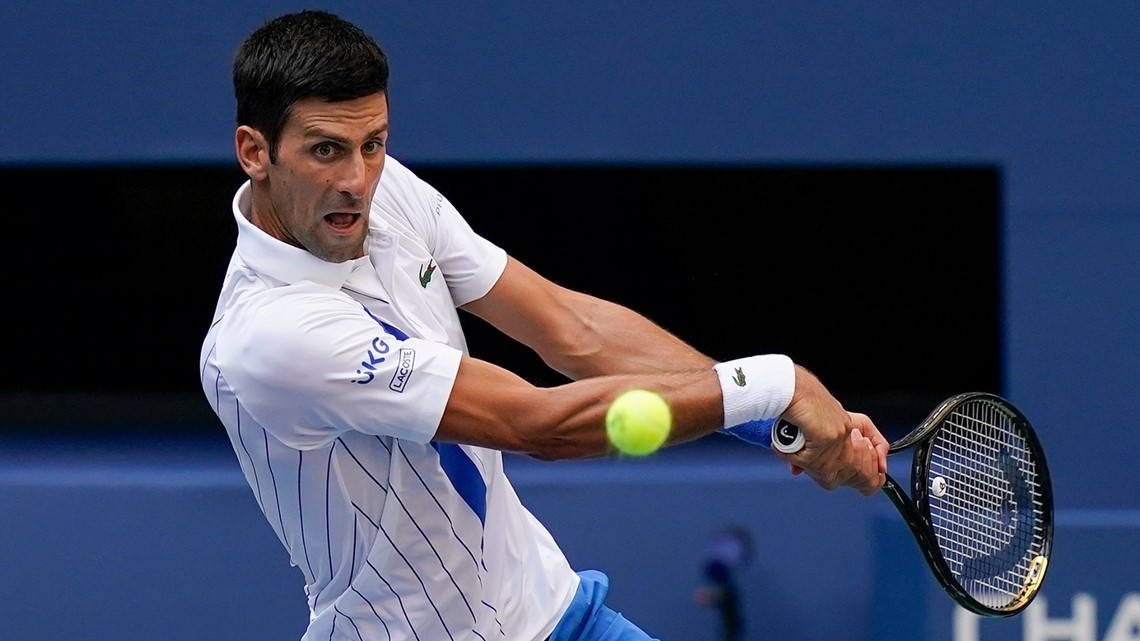 Novak Djokovic Disqualified At Us Open After Hitting Line Judge King5 Com