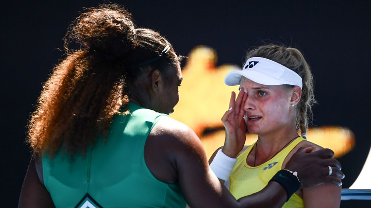 serena williams comforts crying opponent