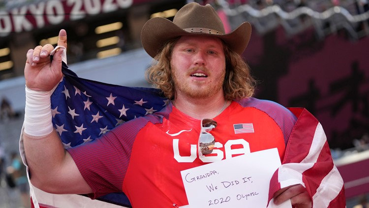 Tokyo Rewind, Aug. 4: American relay stunner; Crouser sets shot put record