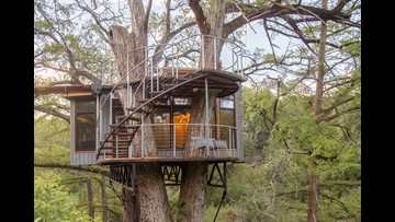 Unique Texas treehouse offers luxurious lodging