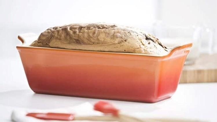 best-kitchen-gifts-2018-le-creuset-heritage-stoneware-loaf-pan.jpg