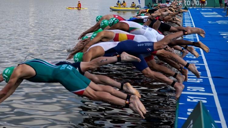 Men's triathlon kicks off with bizarre false start, first in Olympic history