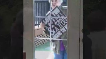 Unable to be by her husband's side, Vancouver woman serenades him