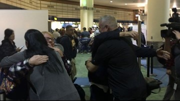 Battle Ground man meets father for first time on Thanksgiving