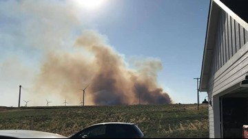 Klickitat County wildfire burns over 350 acres, threatens structures