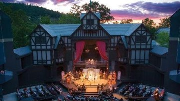 Smoky air forces Oregon's Shakespeare Festival indoors