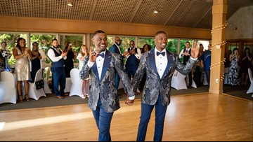 'It's been a big surprise': Tualatin couple's wedding flash mob goes viral