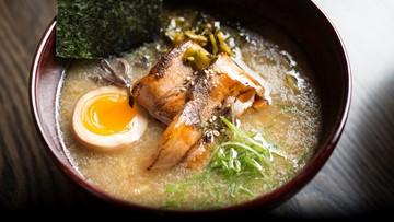Making Tonkotsu Ramen with Japanese Master Chef Morimoto
