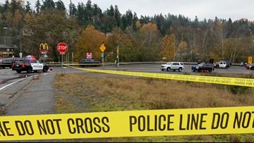 Police shoot naked, gun-wielding man in Renton