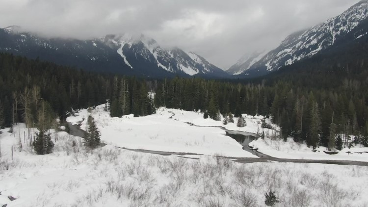 April snow falling in the Cascades raises avalanche concerns