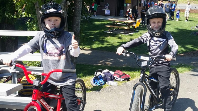 Twins Ryan (left) and Jake Vandell go for a bike ride. (Photo: Stacey Vandell)