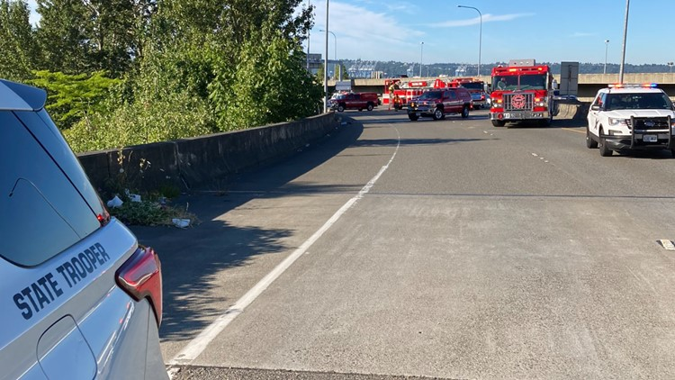 2 people dead after crash in Tacoma