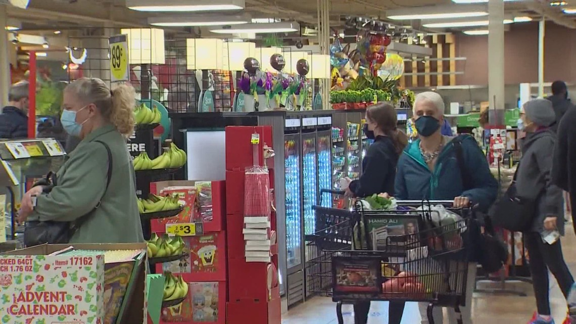 Edmonds City Council votes to give grocery store workers a $4 hazard pay raise