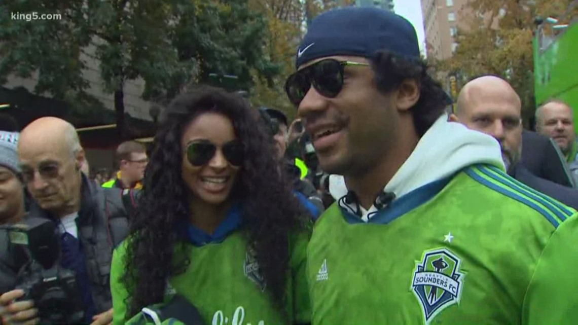 Russell Wilson and Ciara join Seattle Sounders championship parade