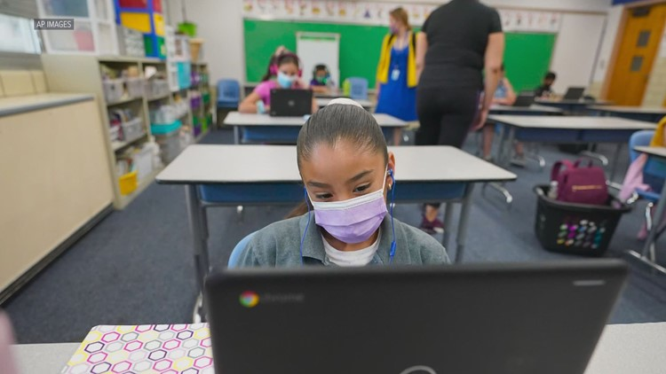 Washington teachers now eligible for COVID-19 vaccine, Inslee announces