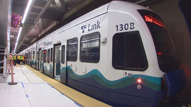 Sound Transit light rail_28403697