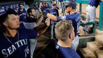 Six-pack for M's: Seattle wins 6th in row, 8-5 at Texas