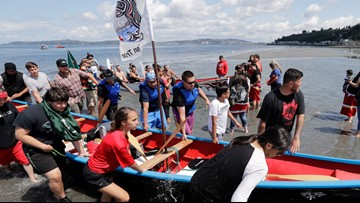 Tribal canoes depart from Alki Beach for annual ceremony