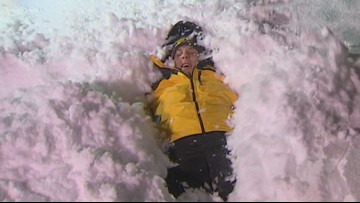 Bloopers: KING 5's Sebastian Robertson plays in Port Angeles snow