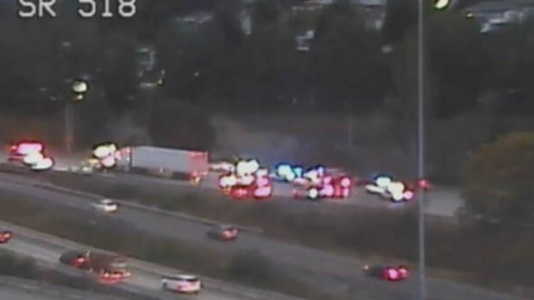 Fatality crash causes hours-long closure of NB I-5 near Tukwila