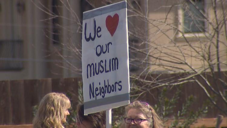 Community rallies around Sammamish Mosque