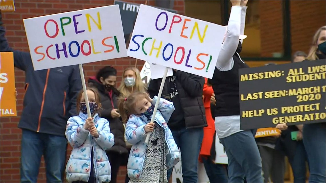 Parents, students protest continued remote learning at Lake Washington School District