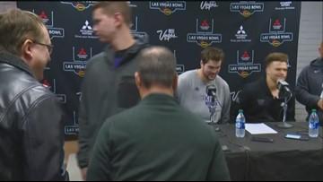 Huskies send Coach Chris Petersen off with a win