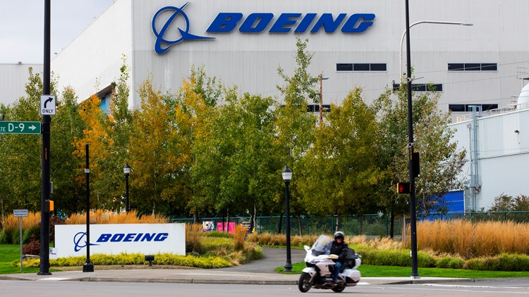 Boeing cuts production on the 787 Dreamliner to address flaw