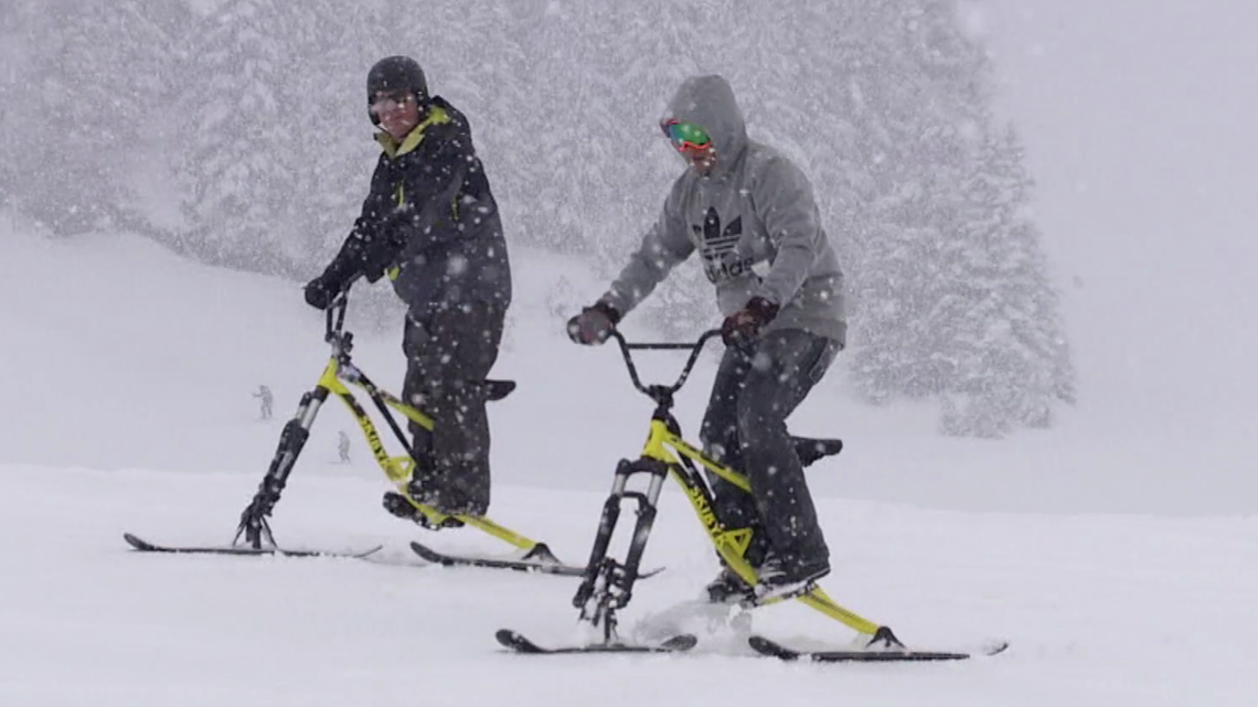 Skiing meets biking! A new way to have fun in the mountains