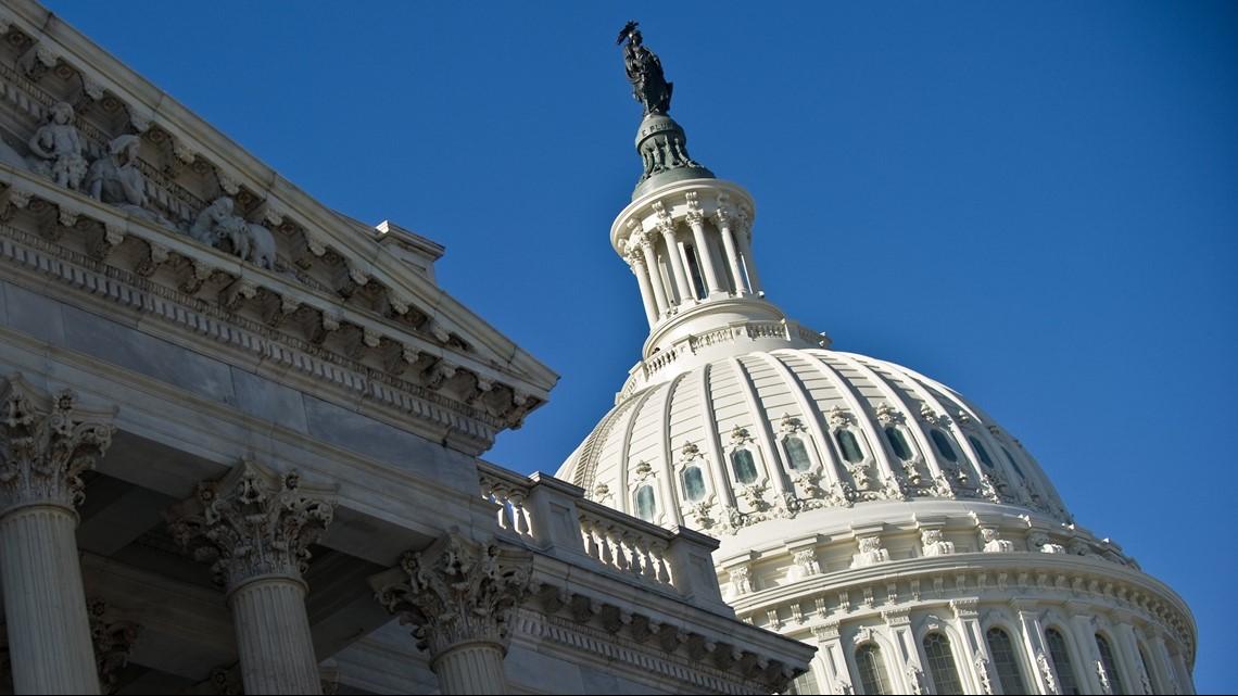 Lawmakers demand change after VA fumble left veterans without help