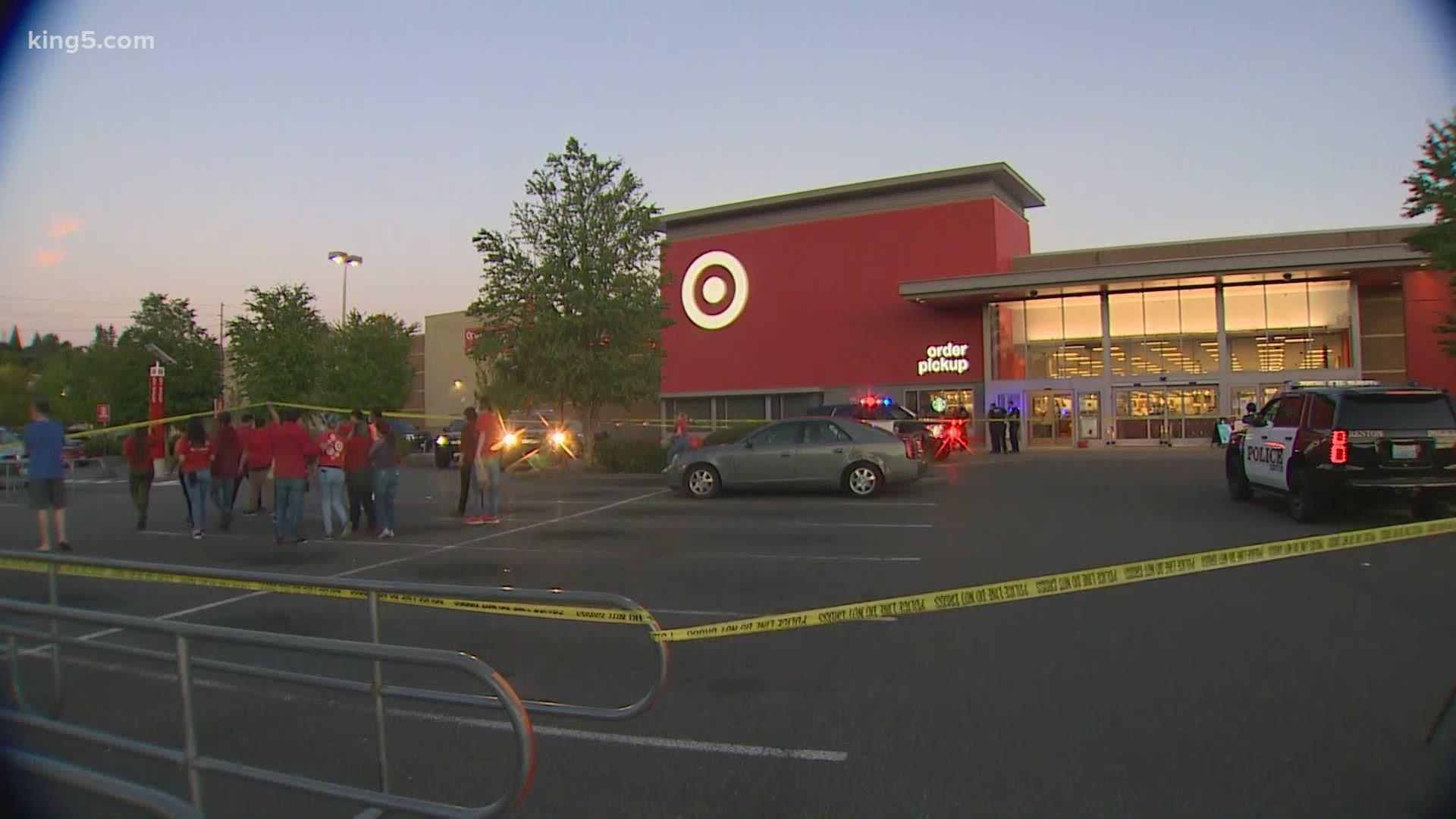 15 Year Old Boy Shot Inside Renton Target King5 Com