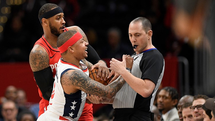 Wizards' Isaiah Thomas ejected for making contact with official