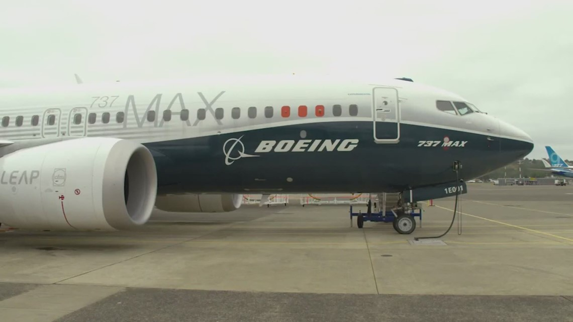 Boeing extends standard retirement age for current president