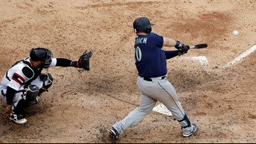 Vogelbach's 2 homers, 6 RBIs lead hot M's over ChiSox 12-5
