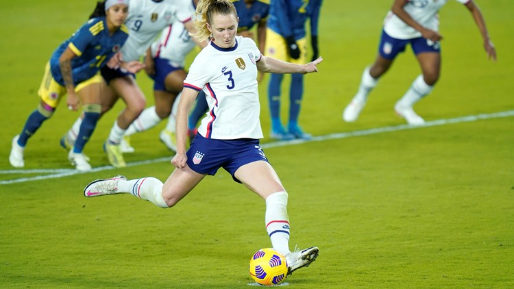 Mewis' hat trick leads US women past Colombia 4-0
