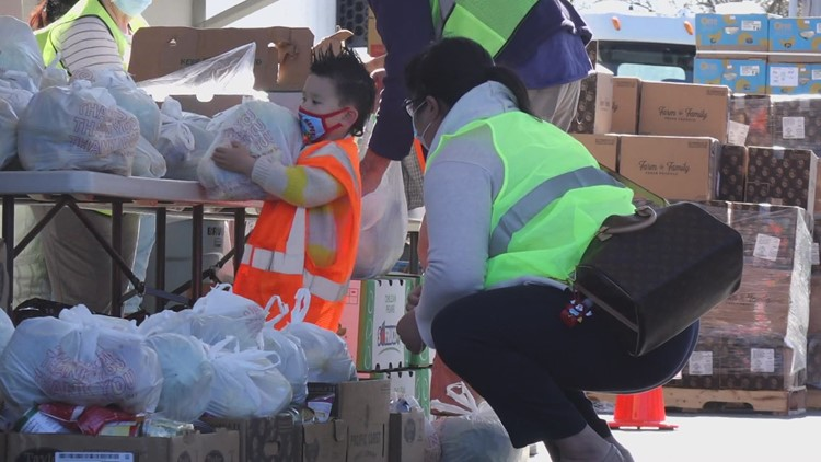 Lend A Hand Community Outreach organizes 'mega' food giving event in Puyallup
