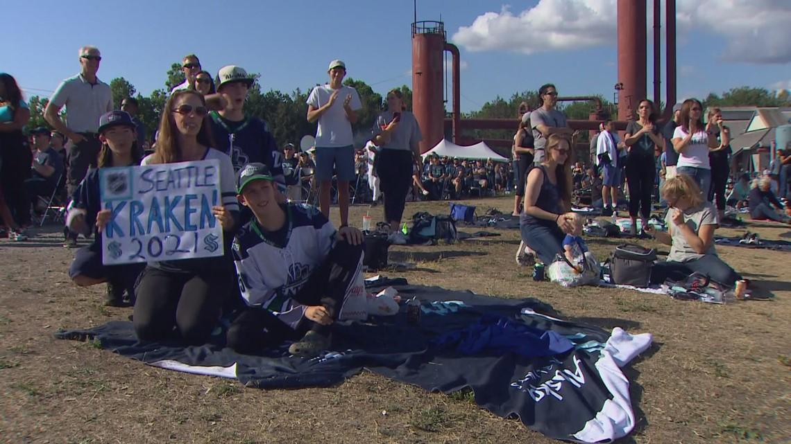 Fans celebrate Seattle Kraken expansion draft picks at Gasworks Park
