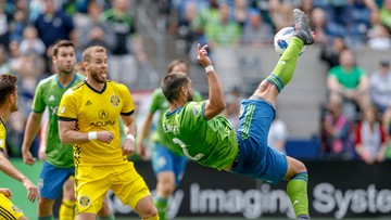 Sounders FC Clint Dempsey retires from professional soccer