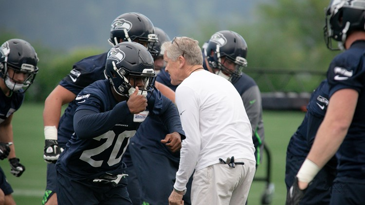 The Seattle Seahawks signed first-round pick running back Rashaad Penny to his rookie contract Wednesday.