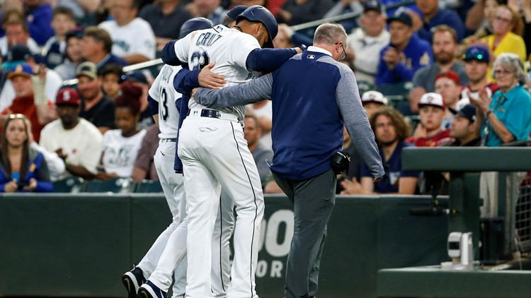 Mariners slugger Nelson Cruz was pulled from a game with a bruised right foot after being hit by a pitch in the fourth inning Tuesday night.