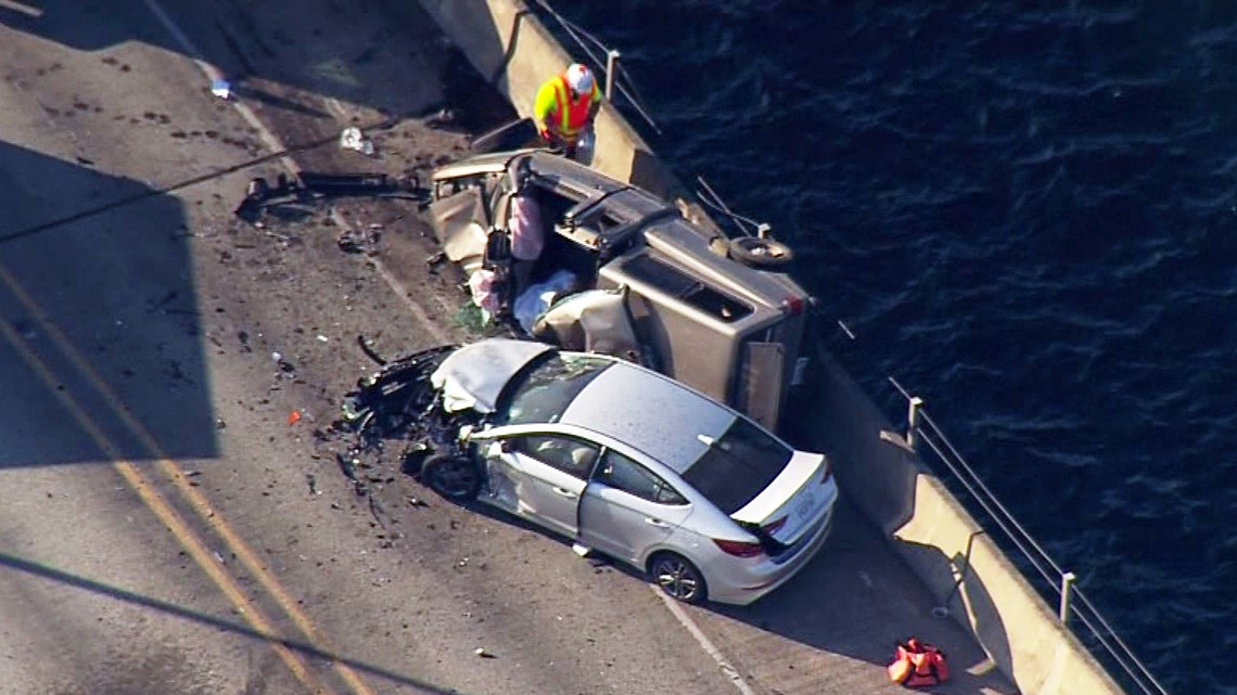 Gas Prices Seattle >> Hood Canal Bridge open after deadly crash; impaired ...