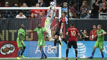 10-man Seattle Sounders hold off Atlanta United for 1-1 draw