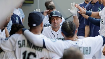 Mariners snap 5-game skid with 3-2 victory over Padres