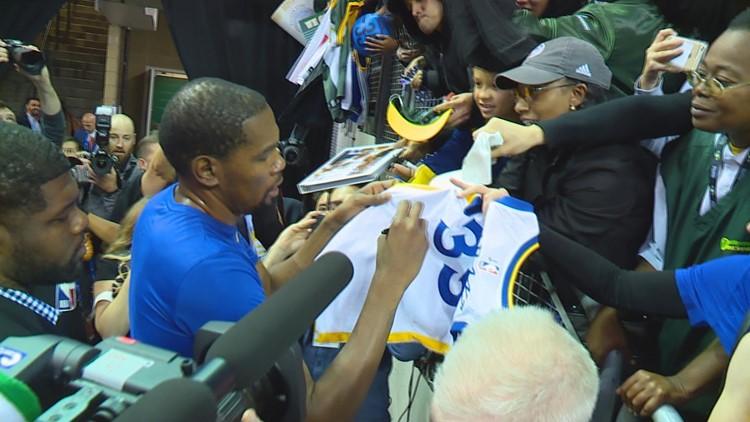 Kevin Durant Autographs