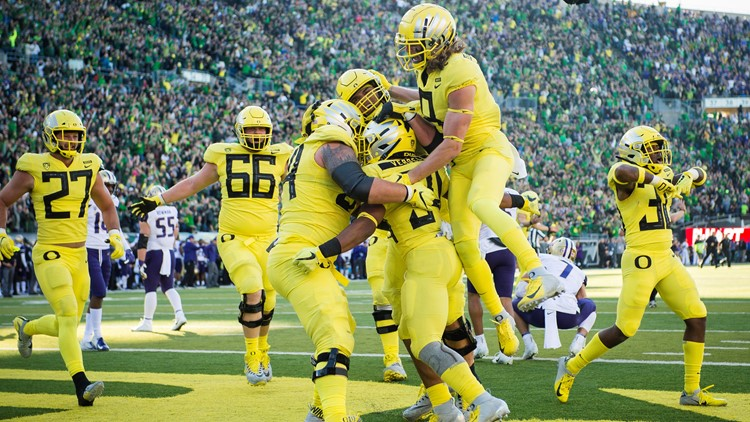 C.J. Verdell scored on a 6-yard run in overtime and No. 17 Oregon knocked off No. 7 Washington 30-27 on Saturday.