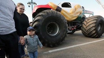 Terminally ill Port Orchard boy, 3, lives big truck dream